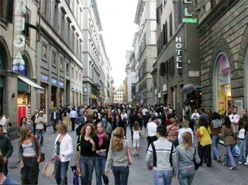 italia-firenza-pedestrians