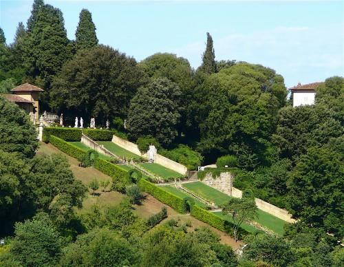 Baroque staircase climbs the Bardini Garden