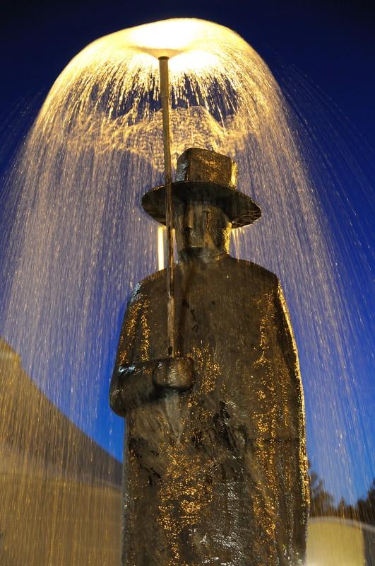 Carlo Buliani catches the light of l'uomo della pioggia