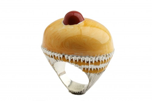 A tart topped with a cherry makes a ring good enough to eat.