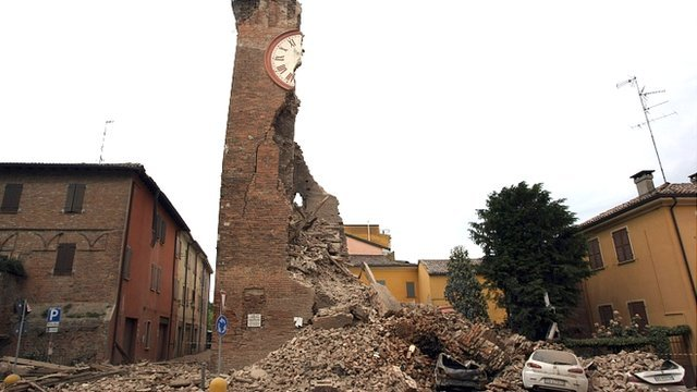 Clock tower shaken to rubble in Finale, Emilia
