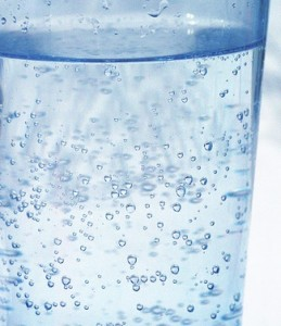 Water with gas and no ice