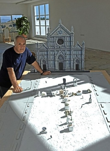 Mimmo Paladino and his design for Piazza Santa Croce (Photo P. Avallone)