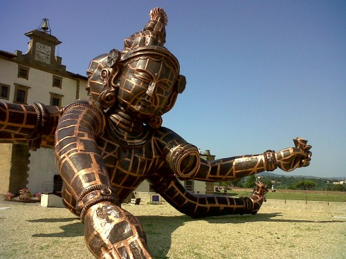 Three Heads Six Arms, a copper sculpture by Zhang Huan (foto by F. Boni)
