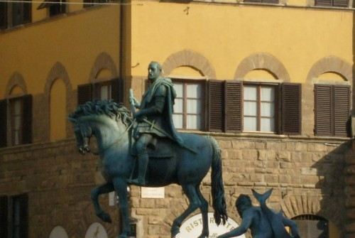 Another Grand Duke and the window shutters in Piazza Signoria
