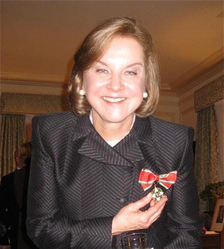 Dianne Hales receives Cavaliere dell'Ordine della Stella della Solidarità Italiana