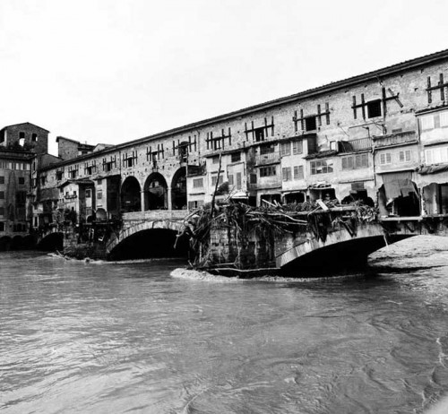 The Ponte Vecchio as the water recedes in 1966