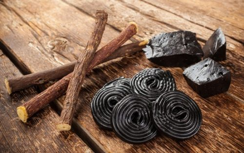 Licorice sticks for chewing (photo authoritynutrition.com)